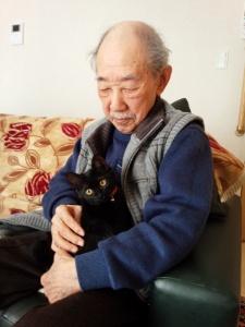 )片穂の子猫の中で一番のおちびさんだった『鈴』は、お祖父ちゃん子になりました。